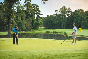 GOLF, DESCANSO Y COMPRAS THE WOODLANDS