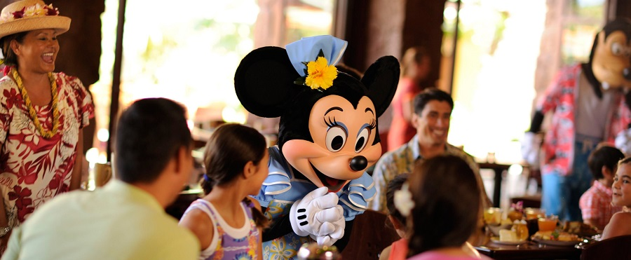 aulani-minnie-mouse-at-auntys-breakfast-celebration-at-the-makahiki_980x405