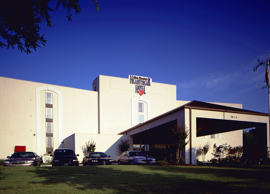 elvis-presley-heartbreak-hotel-in-memphis-the-memorable-and-the-glory-of-elvis-presley-heartbreak-hotel